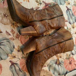 Sesto Meucci women's 11 1/2 cowboy boots snakeskin